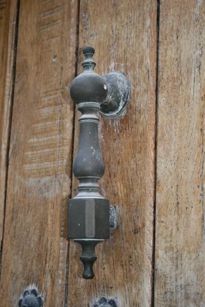 Aldaba en Casa Redín, (el cartero)